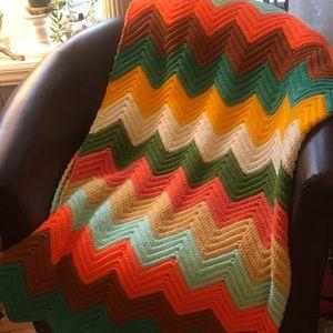 VTG Handmade chvrn multicolor Afghan crochet throw